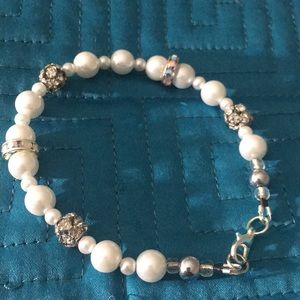 Jewelry - White faux pearl with rhinestone bracelet